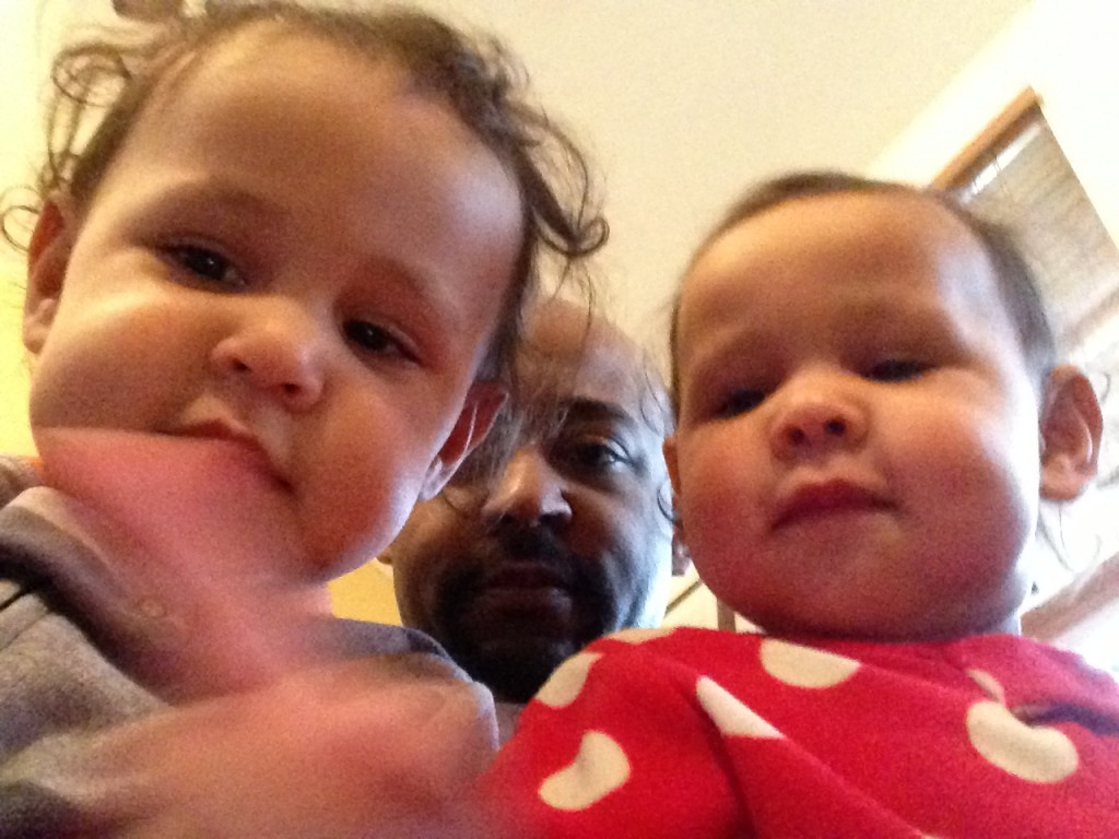 Daddy let us have his phone again... that means... PICTURE TIME!!!